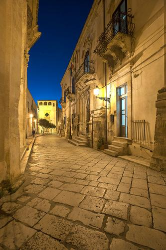 notturno di via francesco mormina penna - Scicli (1173 clic)