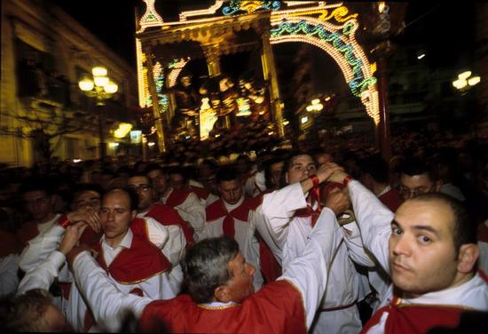 ispica, processione del cristo alla colonna (3287 clic)