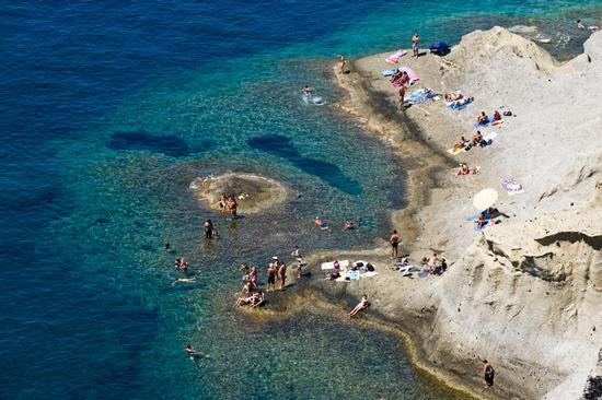 salina, il mare di pollara (5811 clic)