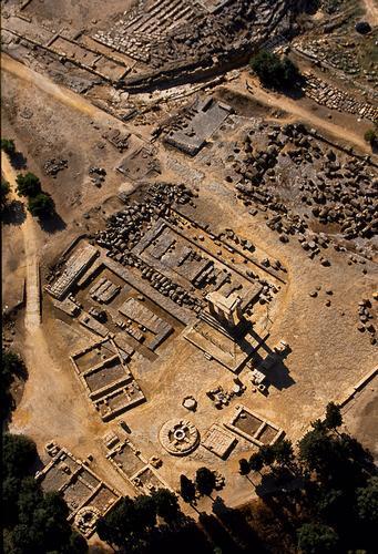 agrigento, valle dei templi, il tempio di castore e polluce visto dall'alto (3202 clic)
