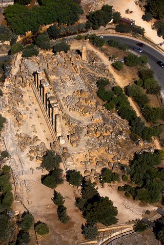 agrigento, valle dei templi, il tempio di ercole visto dall'alto (2996 clic)