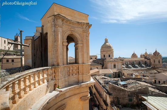 noto san nicola dal campanile di montevergini (1387 clic)