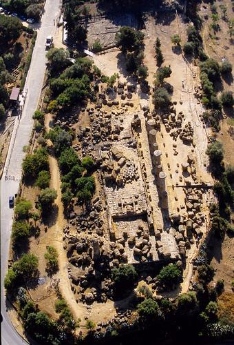 agrigento, valle dei templi, il tempio di ercole visto dall'alto (3288 clic)
