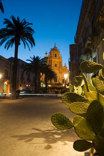 piazza duomo - Ragusa (2217 clic)