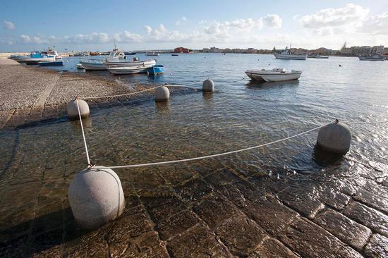 vista sul porto di marzamemi (2664 clic)