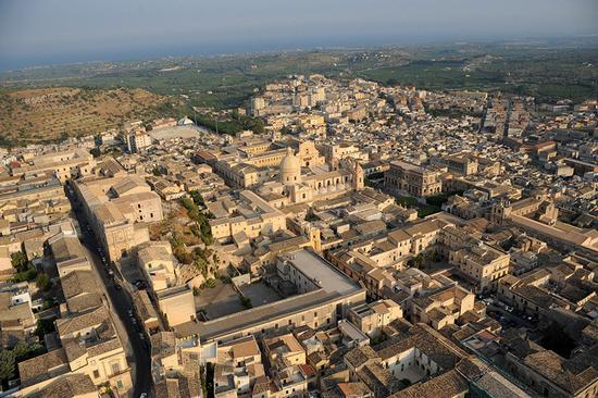 veduta aerea del centro storico di noto (1603 clic)