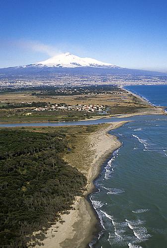 foce del simeto e l'etna vista aerea - Catania (3013 clic)