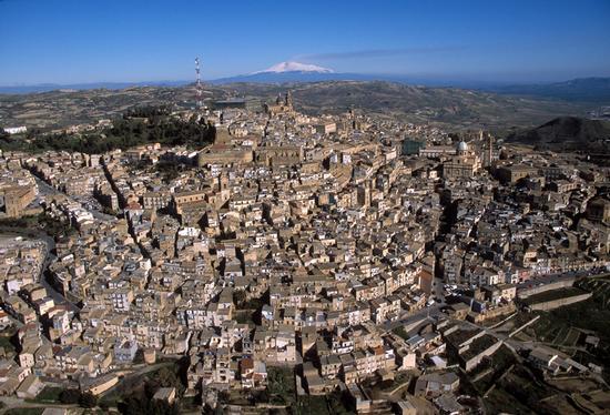 vista aerea del centro storico - Caltagirone (4086 clic)