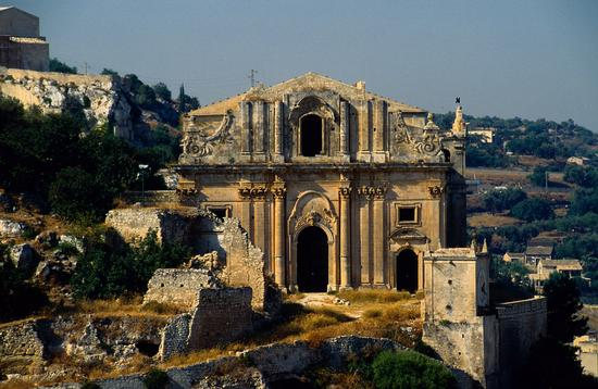 la chiesa di san matteo sul colle omonimo - Scicli (4376 clic)