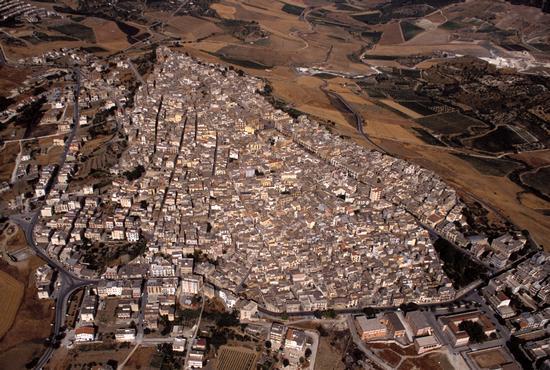 vista aerea della città - Sambuca di sicilia (2486 clic)
