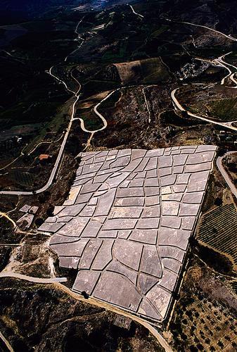 il cretto di burri visto dall'alto - Gibellina (4695 clic)
