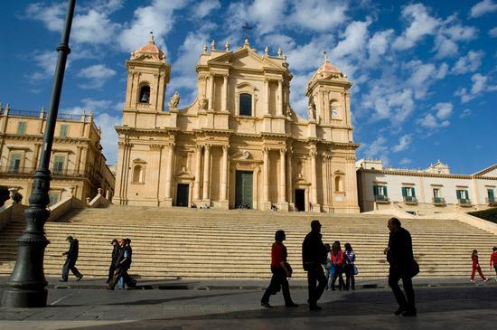 la cattedrale di San Nicola a Noto (1897 clic)