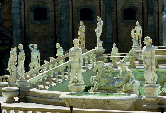 la fontana di Piazza Pretoria - Palermo (5663 clic)