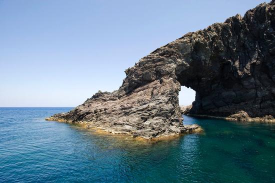 l'arco dell'elefante - Pantelleria (3175 clic)