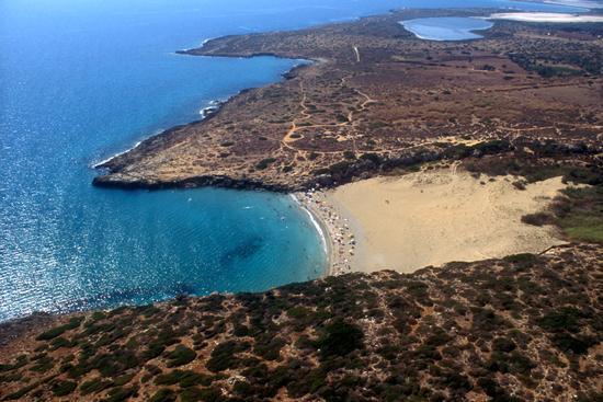 noto, la spiaggia di calamosche in una veduta aerea - Marina di noto (4388 clic)
