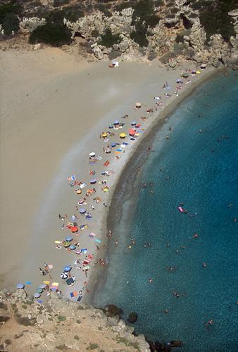 noto, la spiaggia di calamosche in una veduta aerea - Marina di noto (4054 clic)