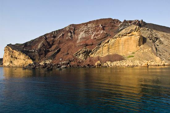 il vulcano spento sulla spiaggia della pozzolana  - Linosa (3444 clic)