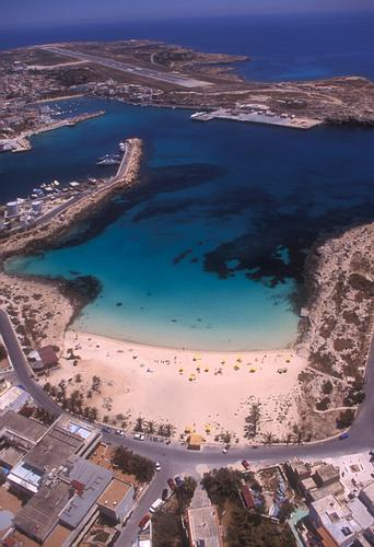 la spiaggia della Guitcha - Lampedusa (4896 clic)