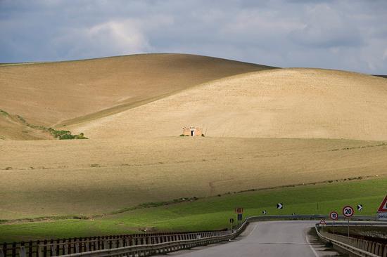 paesaggio rurale - Valguarnera caropepe (4036 clic)