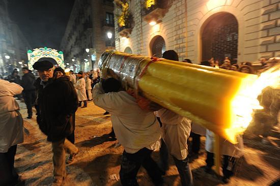 una fase della festa di sant'agata - Catania (6939 clic)