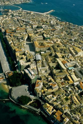 veduta aerea di ortigia - Siracusa (3949 clic)