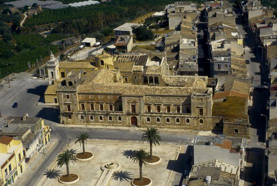 vista aerea del castello Biscari di Acate (2351 clic)