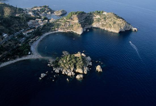 taormina, vista aerea di isola bella  (5050 clic)