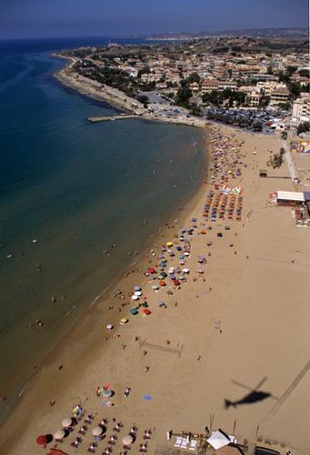 vista aerea della spiaggia di marina di modica (5593 clic)