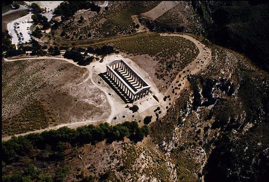 il tempio visto dall'alto - Segesta (3987 clic)