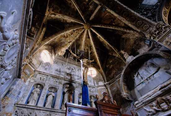 basilica san leone, abside, crocifisso ligneo, assoro enna, sicilia (6705 clic)