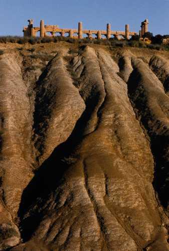 valle dei templi, calanchi e tempio di giunone - Agrigento (5072 clic)