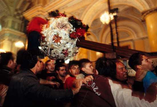 barrafranca, venerdi' santo, u trunu (7487 clic)