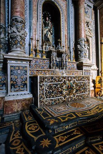 caltanissetta, altare in marmi mischi nella chiesa dei gesuiti, particolare (3702 clic)