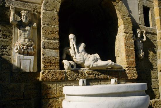 canicattì, la fontana di ercole (3879 clic)