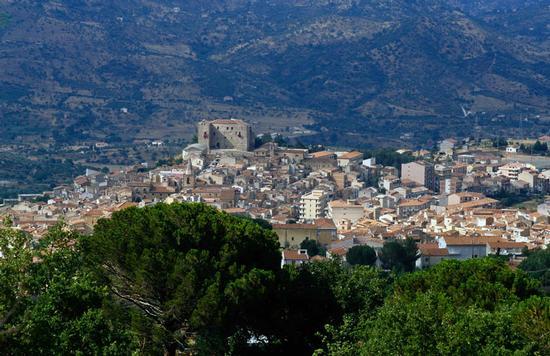 castelbuono, panorama della citta' (4909 clic)