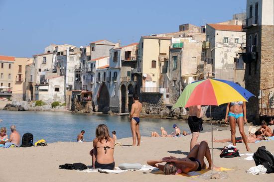 cefalu', la spiaggia - Cefalù (4720 clic)