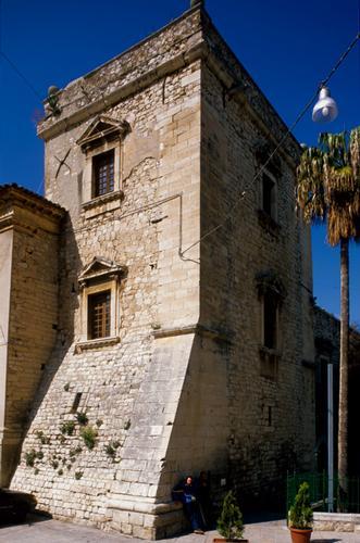 comiso, il castello (4441 clic)