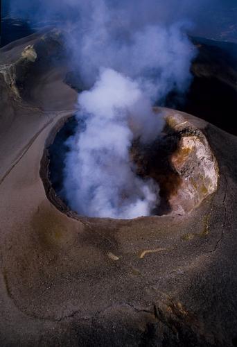 veduta aere a dei crateri sommitali dell'Etna (6540 clic)