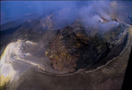 veduta aerea dei crateri sommitali dell'Etna (11200 clic)