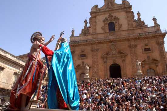 modica, domenica di resurrezione, madonna vasa vasa (4404 clic)