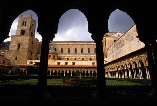 monreale, il chiostro della cattedrale (4075 clic)