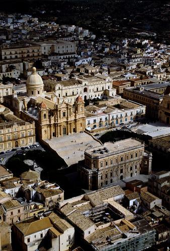 noto, veduta aerea del centro storico (4839 clic)