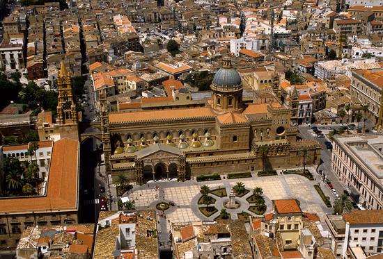la cattedrale di palermo vista dall'alto (8729 clic)