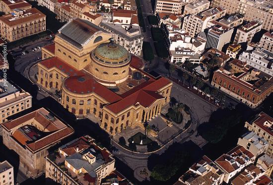 il teatro massimo di palermo visto dall'alto | Palermo | Fotografia di luigi nifosì