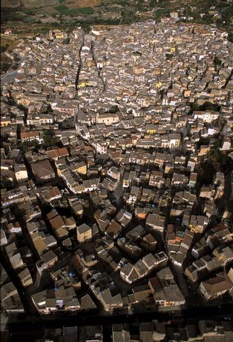 racalmuto, veduta aerea del centro storico (4137 clic)