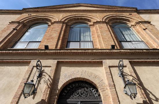 racalmuto, il teatro vittorio emanuele (3935 clic)