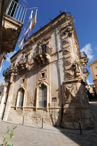 palazzo beneventano - Scicli (4442 clic)