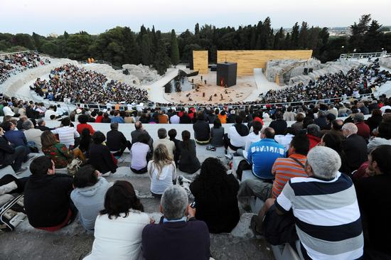 teatro greco, rappresentazioni classiche 2010 - Siracusa (3074 clic)