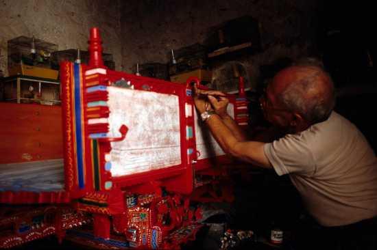 scicli, pittore di carretti (3232 clic)