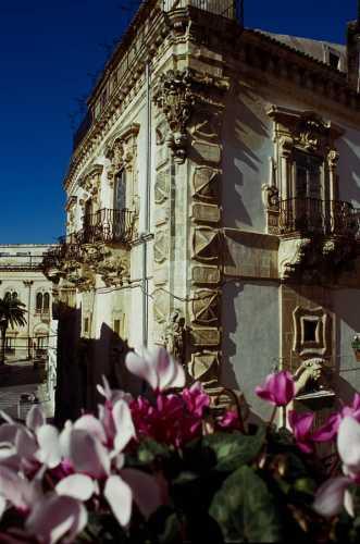 palazzo benventano - SCICLI - inserita il 03-Mar-10